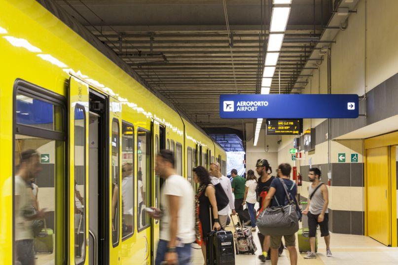 treno aeroporto stazione Bari