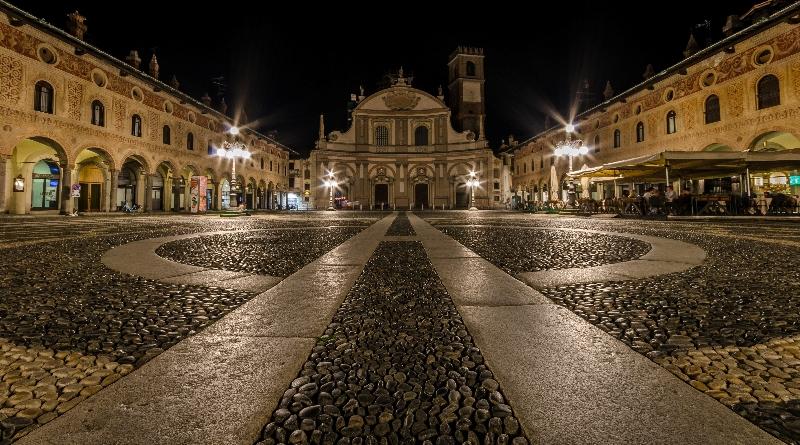 piazza-ducale-vigevano