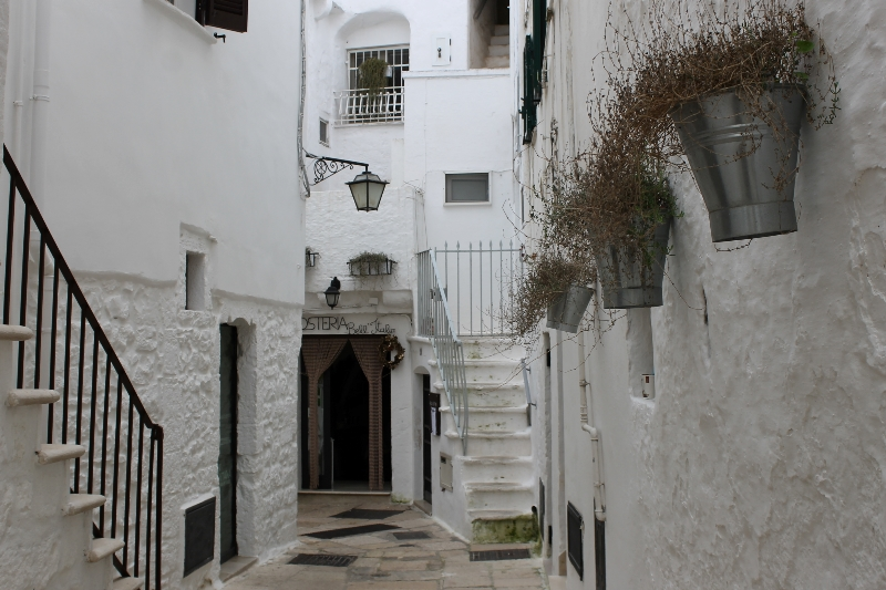 on the road in puglia-cisternino-centro-storico