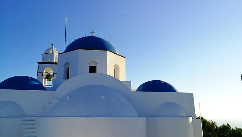 thirasia_isola_santorini_cupole