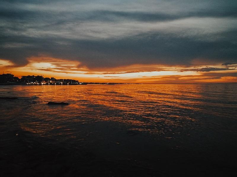 Bari_tramonto_mare